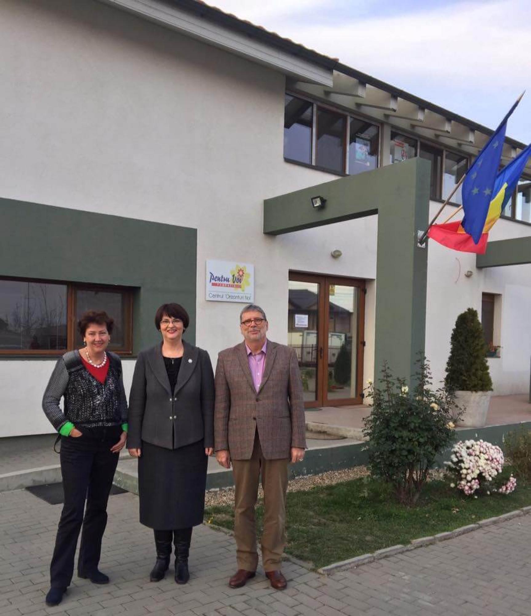 """Fundatia """"Pentru Voi"""" a primit Excelentei Sale, dl. Urs Herren, ambasador al Elvetiei in Romania si a sotiei sale, doamna Esther Megert Herren - 002"""