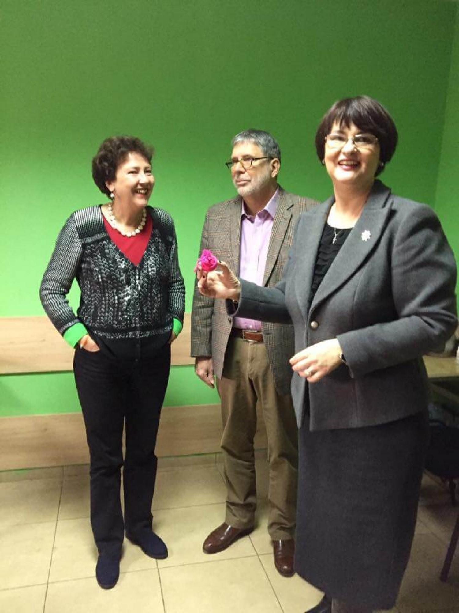 """Fundatia """"Pentru Voi"""" a primit Excelentei Sale, dl. Urs Herren, ambasador al Elvetiei in Romania si a sotiei sale, doamna Esther Megert Herren - 007"""